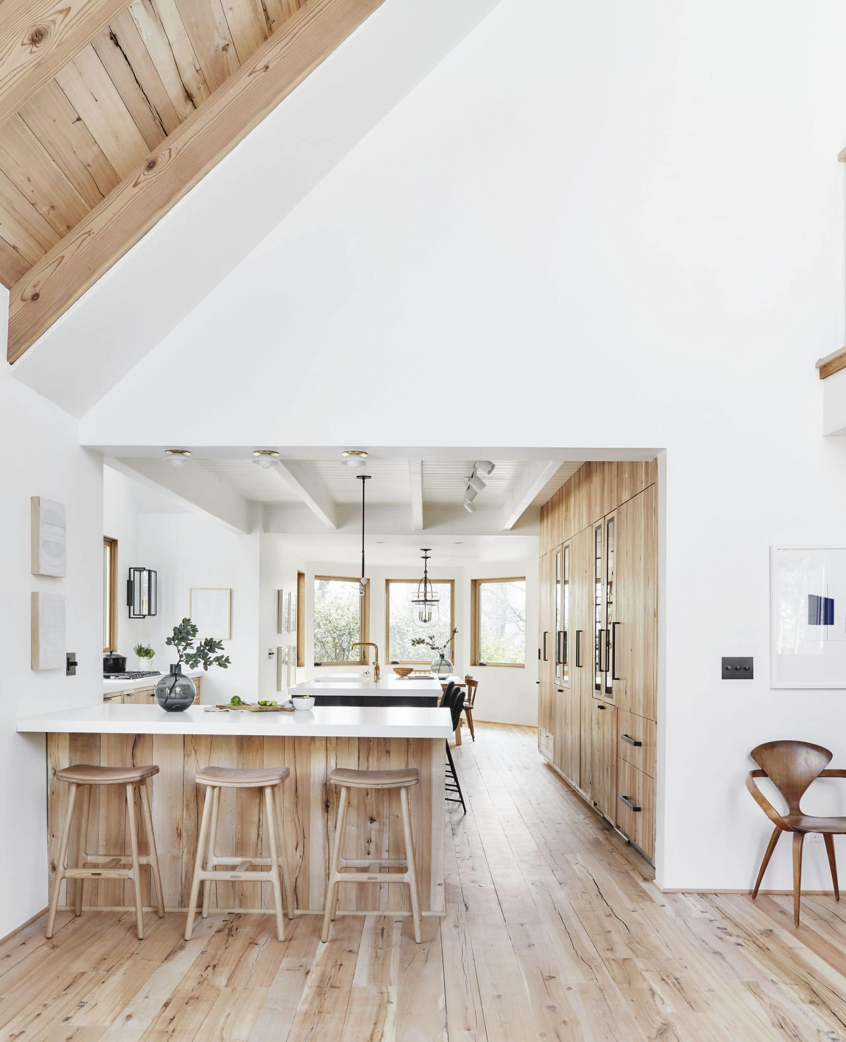 Wood and white kitchen designed by @em_henderson